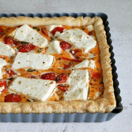 Пирог с помидорами и сыром фета. Пирог с томатами и сыром Фета.
