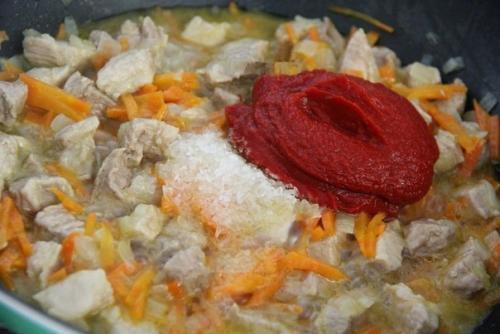 Плов на сковороде со свининой рецепт.