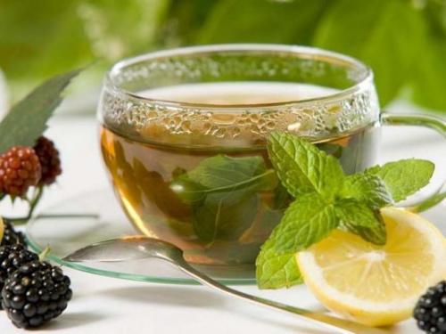 Чай с мятой и мелиссой польза. Полезные и лечебные свойства мелиссы