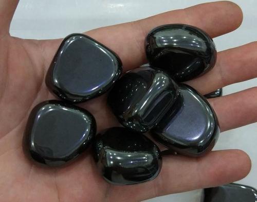 Изделия из гематита для женщин. Целебные свойства и значение камня гематита