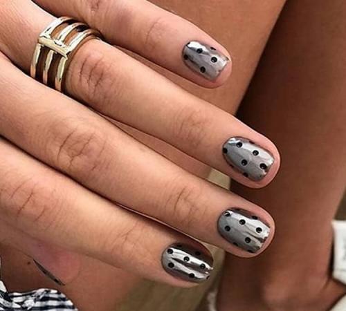 Маникюр просто, но красиво. Простые дизайны ногтей: работа с текстурами, как правильно наносить покрытие