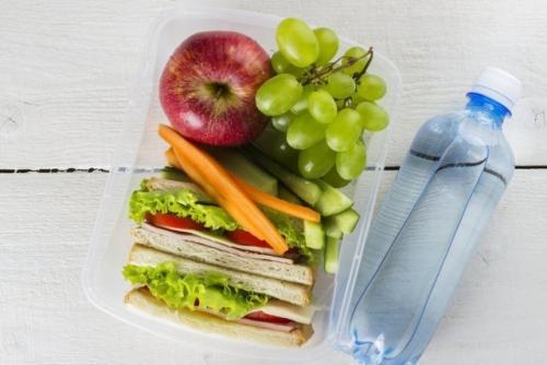 Чем можно перекусить когда на диете. Что выбрать для полезного перекуса худеющим
