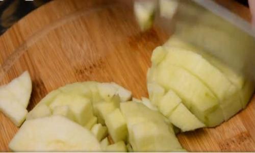 Творожно яблочная шарлотка. Шарлотка с яблоками и творогом на кефире