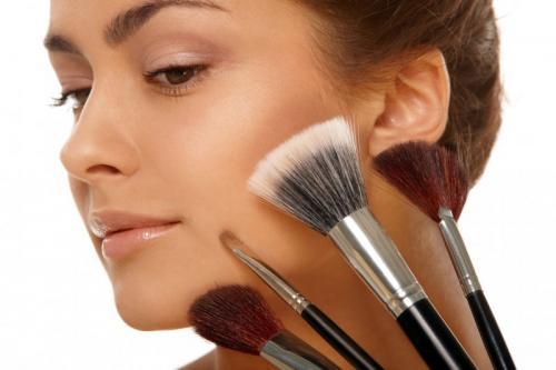 Как красиво сделать макияж в домашних условиях. Как сделать макияж в домашних условиях — делаем красивый и правильный макияж своими руками (100 фото)