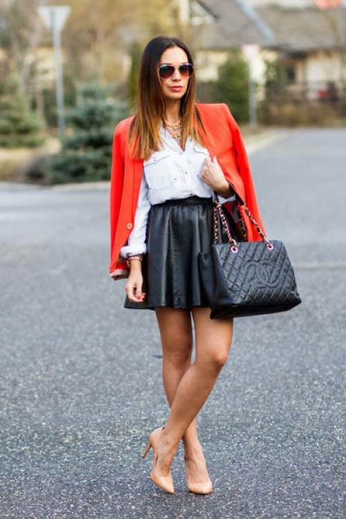 С чем сочетать пиджак красный. Популярные фасоны красных жакетов.
