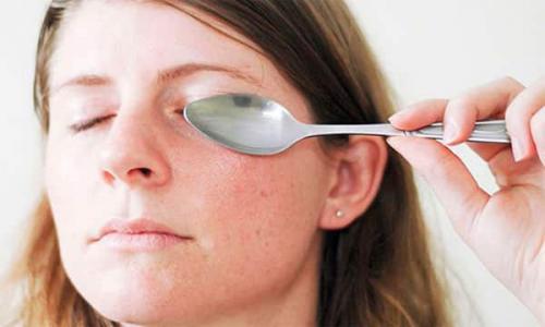 Как в домашних условиях убрать синие круги под глазами. Как убрать круги под глазами