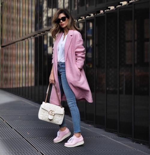С чем носить джинсы женщинам з.  С чем носить узкие джинсы джинсы женщинам в 40-50 лет весной и летом