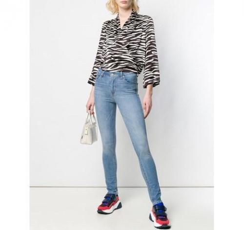 Как носить скинни джинсы. Что значит джинсы скинни и с чем их носить, модные и стильные образы