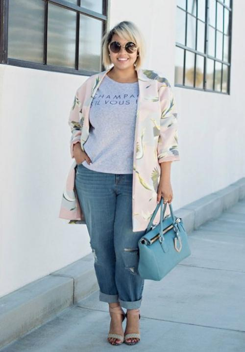 С чем носить джинсы женщине з.  Топ-3 модели джинсов для женщин 40-50лет, которые скрывают изъяны фигуры имолодят