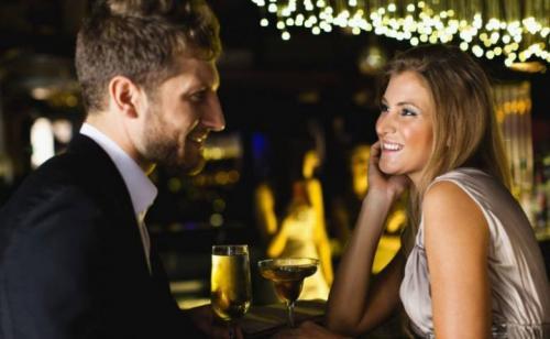 На что женщины обращают внимание при знакомстве с мужчиной. Вещи, которые важно знать каждой девушке при знакомстве с мужчиной
