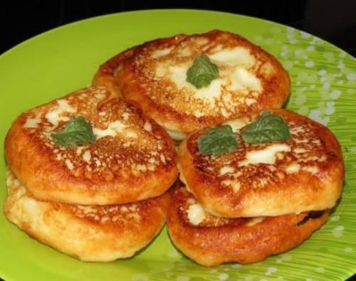 Сырники из творога рецепт. Рецепт вкусных сырников из творога с манкой
