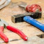 Житель владимира украл инструменты из школы.