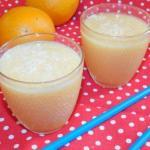 Грушево - яблочный смузи на соке цитрусовых.