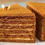 Чудесные медовые тортики для праздничного стола!