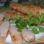 Вкусные рецепты. Домашние куриные колбаски.