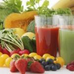 Оздоровительные соки.  Морковь имбирь яблоко - поддерживает и укрепляет вашу иммунную систему.