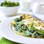 Омлет со шпинатом и овощами!