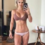 Фитнес - модель Michelle Lewin.