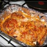 Острая свинина с сыром и грибами в духовке.