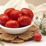 Соленые помидоры как бочковые.