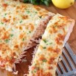 Лосось, запеченный с сыром.